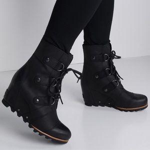 Sorel Joan of Arctic Wedge Black Leather Boot 8.5